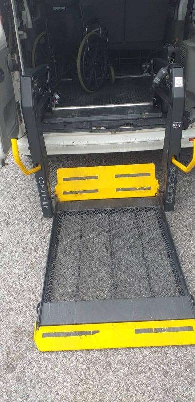 Disabled sougia taxi ramp